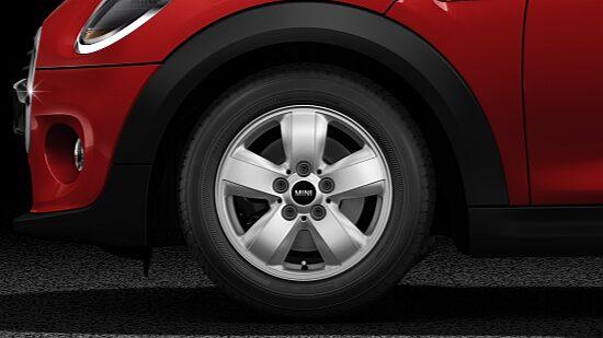 MINI Cooper 3 Door light alloy wheels
