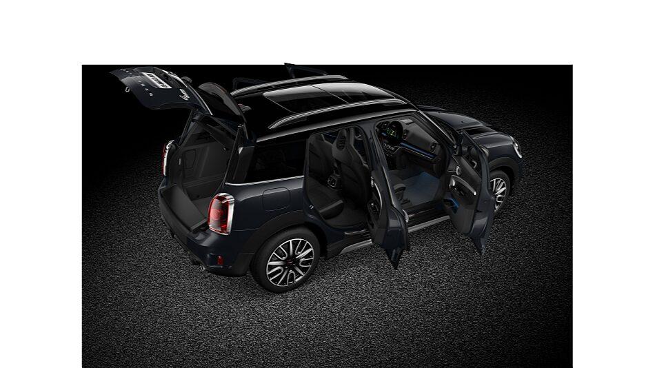 MINI Cooper SD Countryman ALL4 – вид спереди/сбоку.