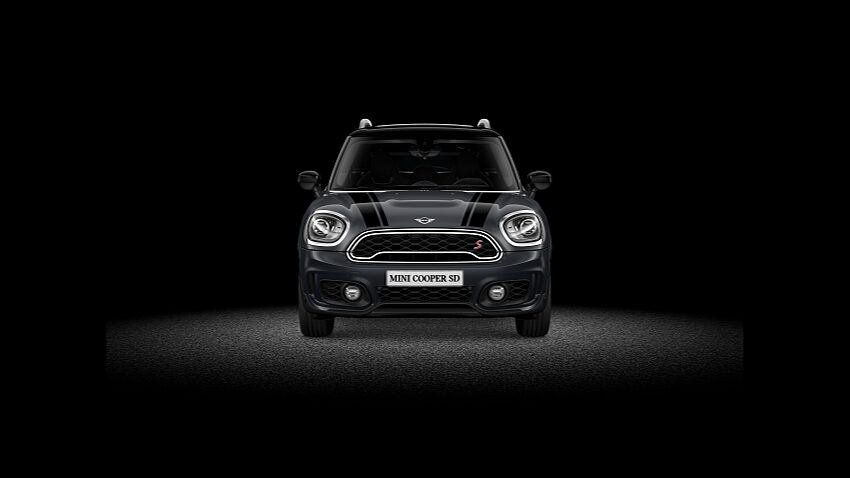 MINI Cooper SD Countryman ALL4 – вид спереди.