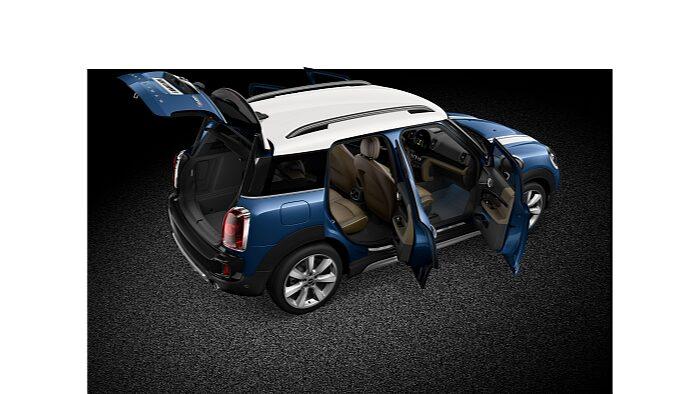 MINI Cooper S Countryman ALL4 – вид спереди/сбоку.