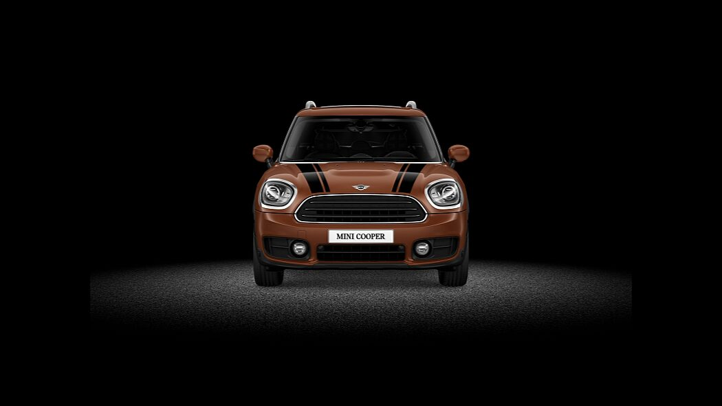 MINI Cooper Countryman ALL4 – вид спереди.
