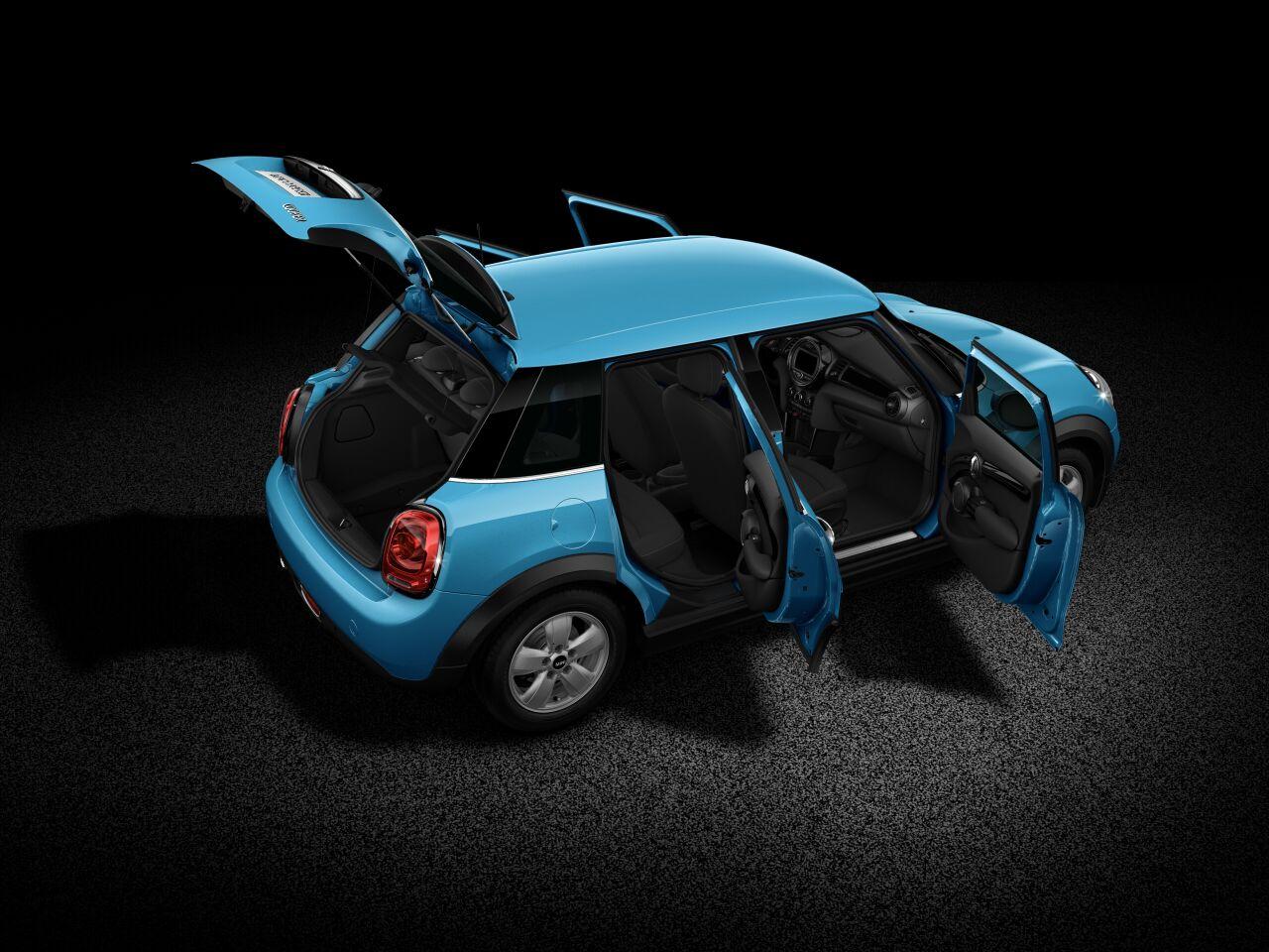 MINI Cooper 5 Door オープンボディの外観