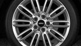 """17"""" Tentacle Spoke alloy wheels in silver"""