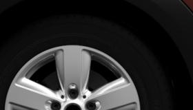 "16"" 5-Star Air Spoke alloy wheels"