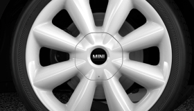 "Jantes en alliage leger 18"" design ""Cone Spoke"" blanches Runflat"