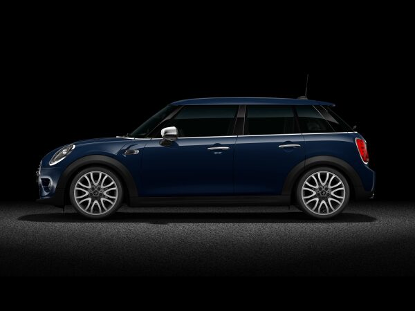 MINI Cooper D Hatch 5-Door side profile