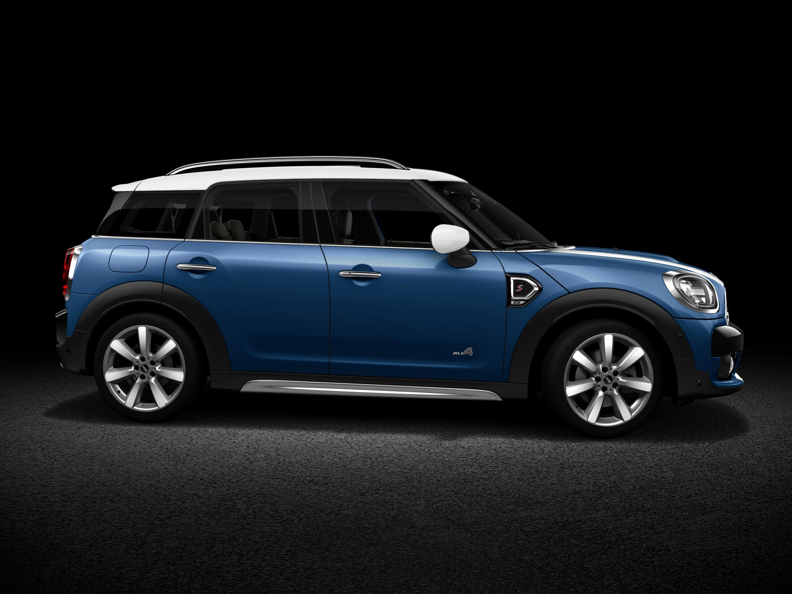 MINI Cooper S Countryman ALL4 front profile